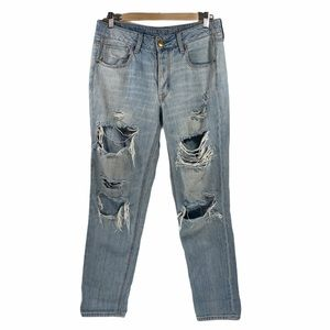 American Eagle Tomgirl Buttonfly Distressed Jeans